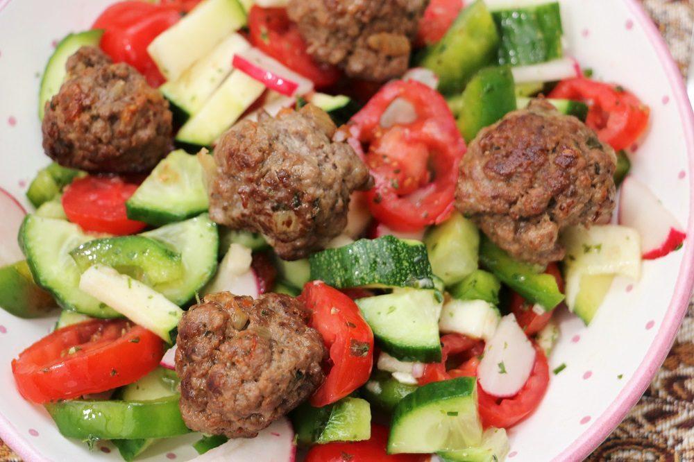 Fleischbällchen Salat 2