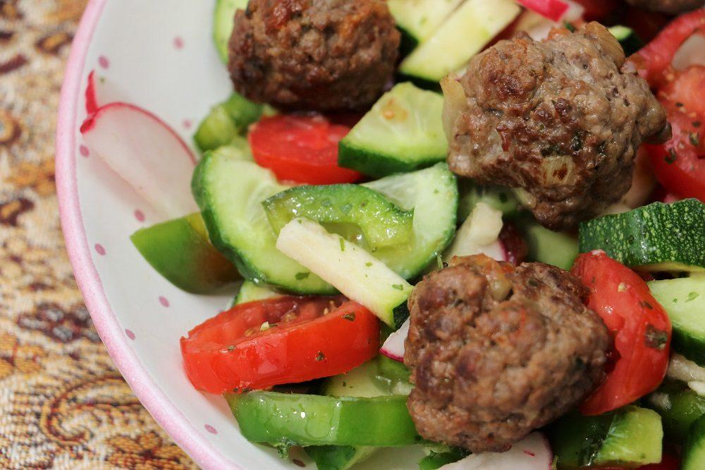 Fleischbällchen Salat 3