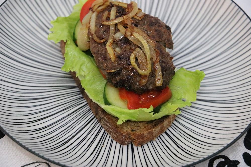 fleischlaberlsandwich 3