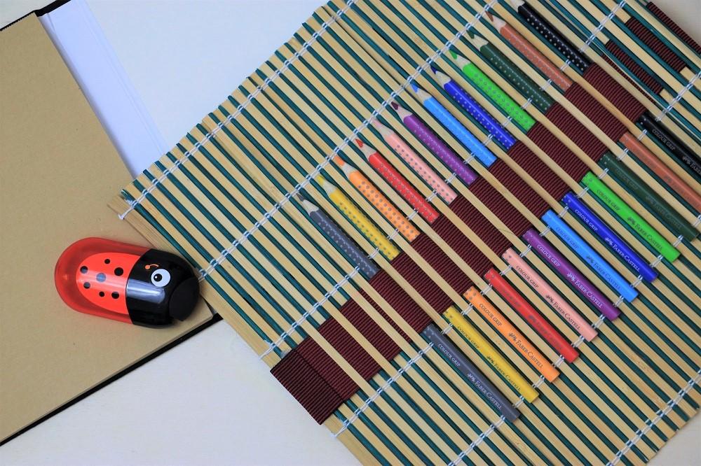 do what wie du kreativit t bei kindern f rdern kannst eine diy bambusmatten stifte. Black Bedroom Furniture Sets. Home Design Ideas